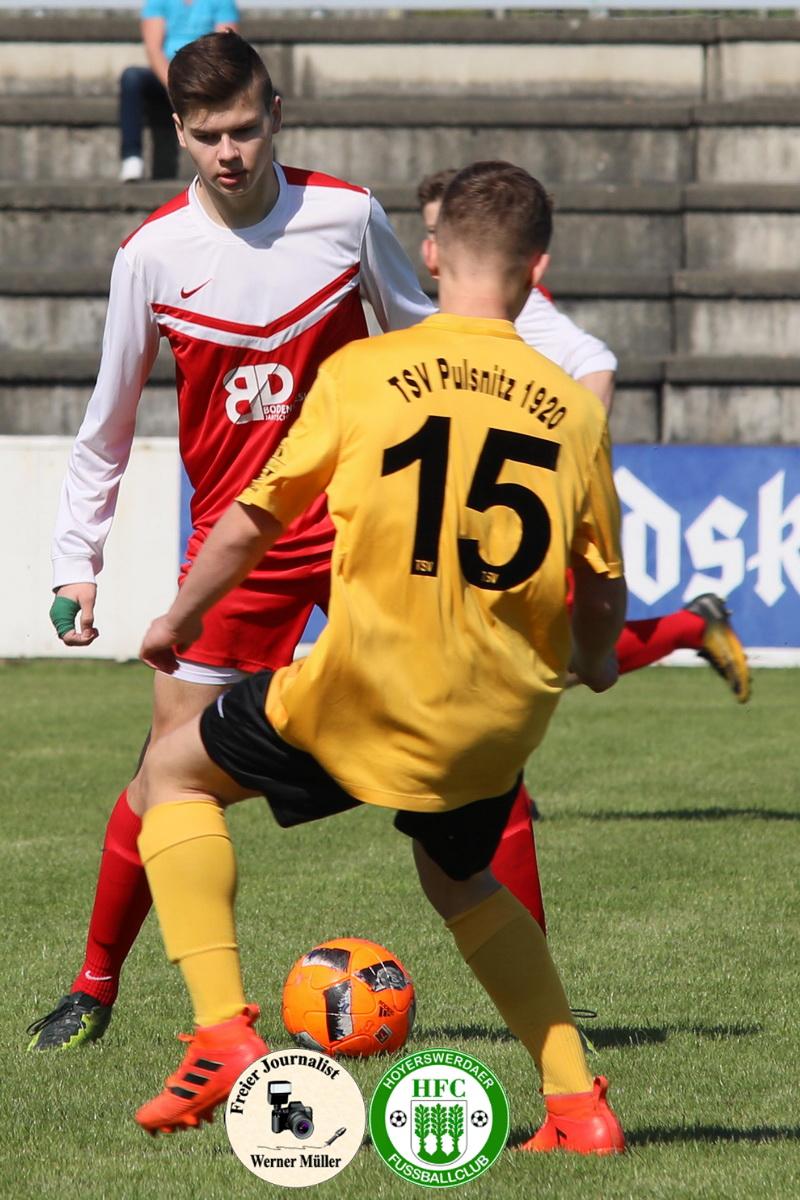 2018-04-28  B- Junioren  Hoyerswerdaer FC in rot   - TSV  Pulsnitz 1920 in gelb 3:5 (1:4) Foto: Werner Müller