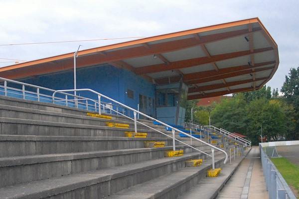 Stadion_Haupttribüne